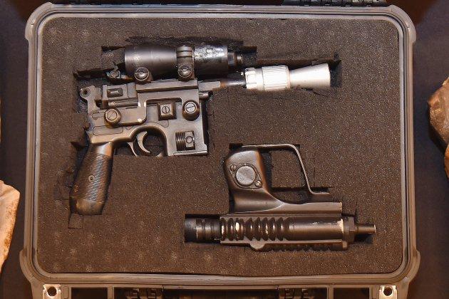 """Star Wars"": un pistolet de Han Solo adjugé 550.000 dollars"