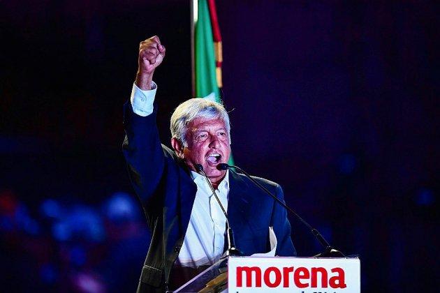 """Les Mexicains élisent leur président, le candidat de gauche """"AMLO"""" favori"""