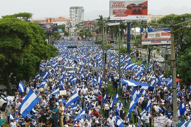 Nicaragua: manifestations contre le président Ortega, deux morts et 11 blessés