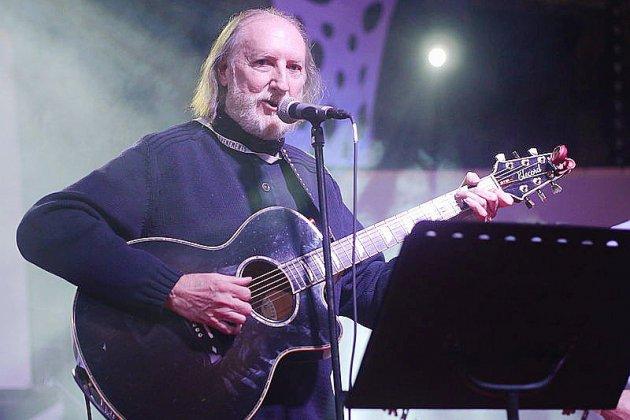 Le chansonnier François Corbier, compère de Dorothée, est décédé à Évreux