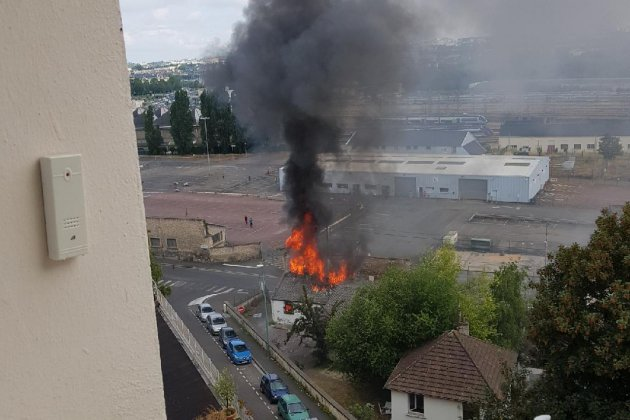 Incendie dans un ancien squat à Caen