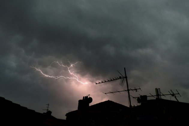 Orages: 136.000 foyers toujours privés d'électricité en Nouvelle-Aquitaine