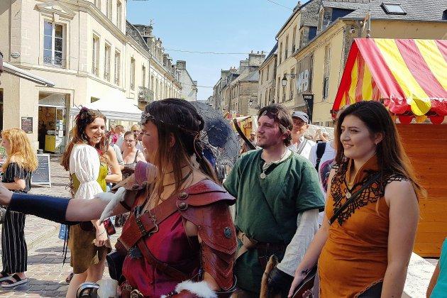 [Photos et vidéos] Médiévales de Bayeux 2018: on festoie comme jamais!