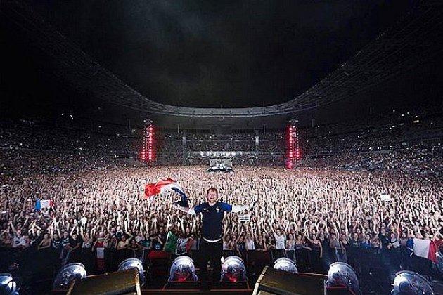 Ed Sheeran et Louane en duo sur la scène du Stade de France