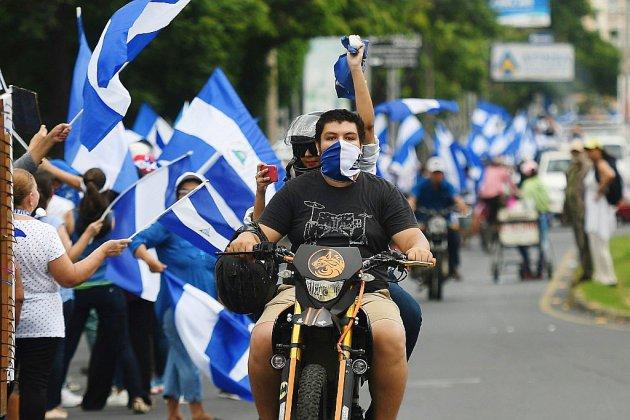 Nicaragua: la peur au ventre, l'opposition marche et défie Ortega