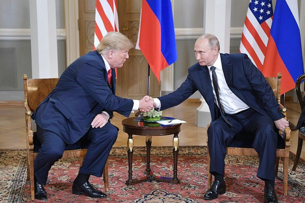 """Trump vante, malgré tout, le """"succès"""" de son sommet avec Poutine"""