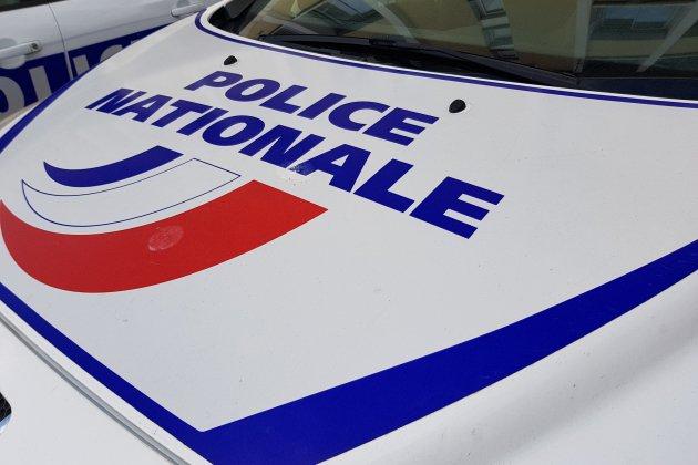 Cherbourg: il prend la fuite et manque de renverser un policier