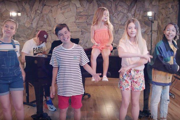 """Kids United Nouvelle Génération vous souhaitent un bel été avec leur """"Summer medley"""""""