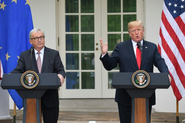 """Rencontre Trump-Juncker: """"excellents résultats"""" mais pas de triomphalisme pour l'UE"""