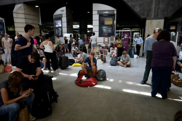 Montparnasse: trafic toujours perturbé, la SNCF demande des indemnisations à RTE