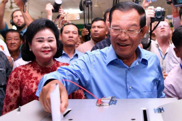 Le Cambodge aux urnes pour des législatives controversées après l'interdiction du principal parti d'opposition