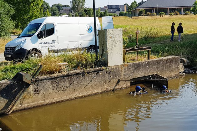 Un corps retrouvé dans une rivière à Saint-Hilaire-du-Harcouët