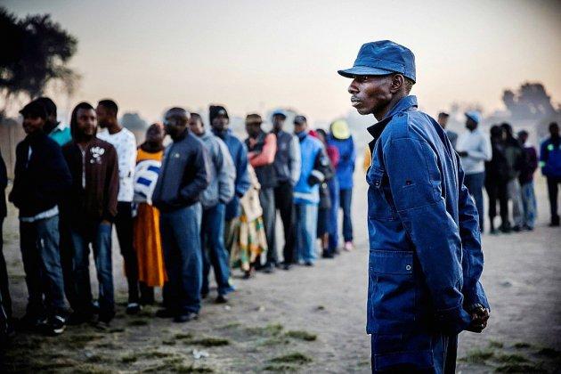Forte participation au Zimbabwe pour les premières élections post-Mugabe