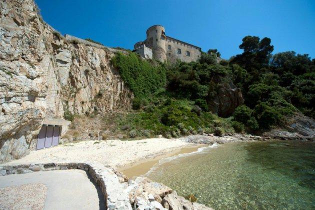 """Avec Macron, le fort de Brégançon redevient """"l'Elysée de l'été"""""""