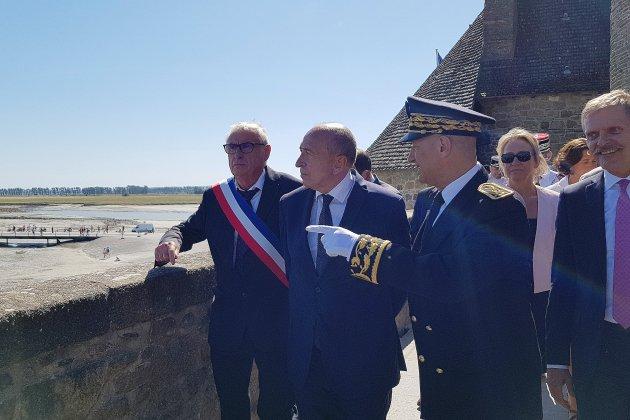 Gérard Collomb au Mont Saint-Michel, l'un des sites les plus sécurisés de France