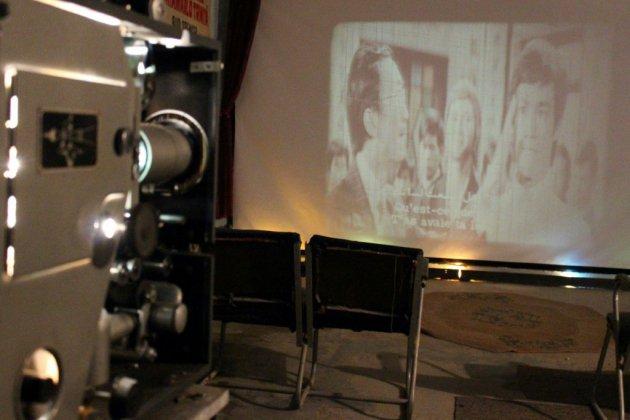 Face au manque de cinémas en Irak, une cave transformée en musée du 7e art