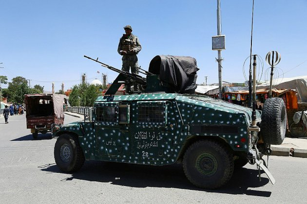Afghanistan : les armes se taisent à Ghazni, attentat-suicide à Kaboul
