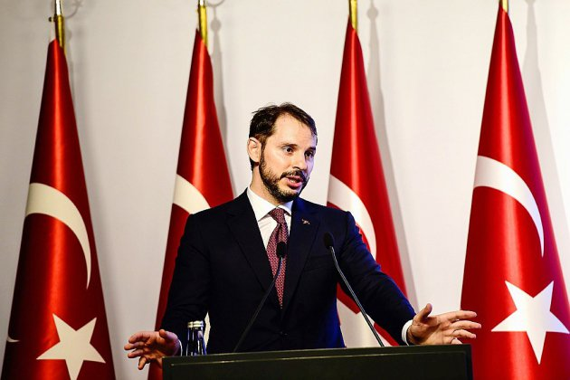 Ankara va s'adresser aux investisseurs, la livre relève la tête