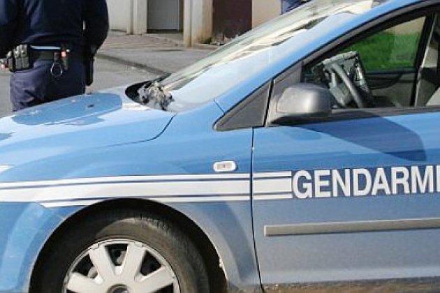 Manche : le corps d'une femme morte découvert enroulé dans un tapis