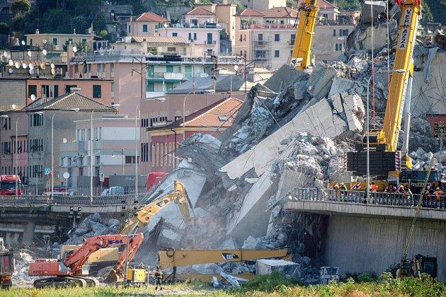 Pont effondré de Gênes: féroce controverse entre le gouvernement et le gestionnaire