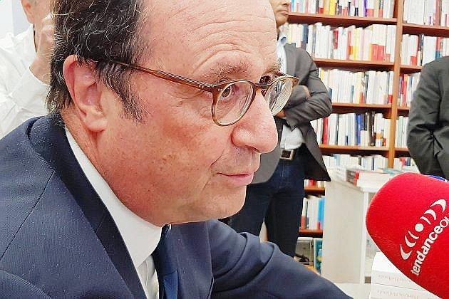 Deux séances de dédicace dans la Manche pour François Hollande