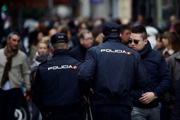 Espagne : un homme armé d'un couteau tué en attaquant un commissariat
