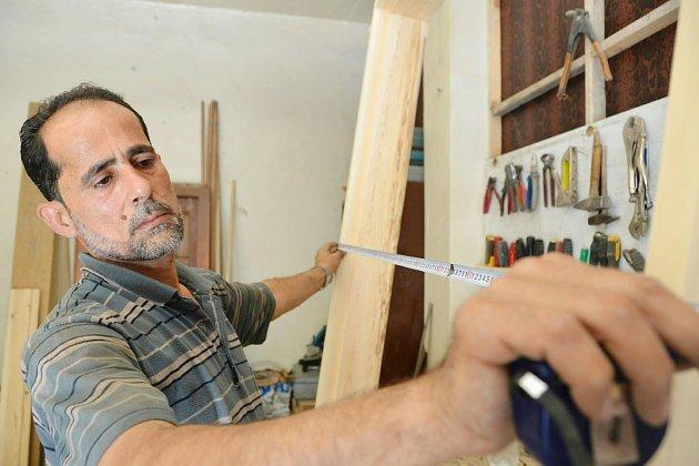 En Syrie, les menuisiers de la Ghouta dépoussièrent leurs ateliers