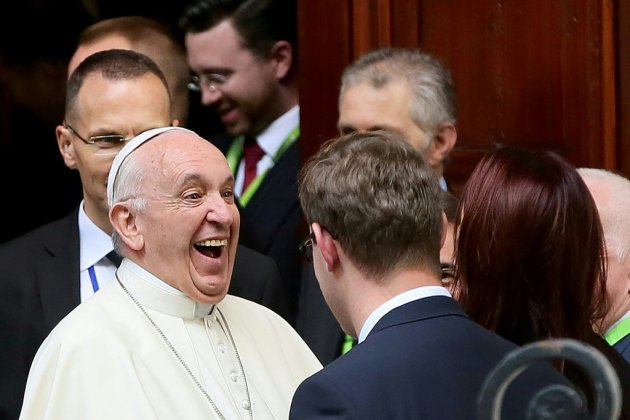 Le pape a rencontré samedi huit victimes irlandaises d'abus