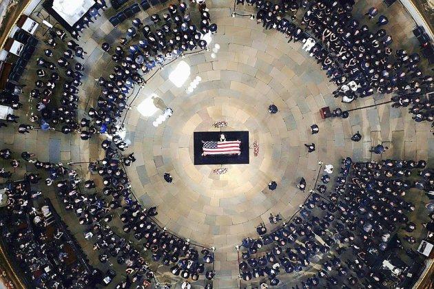 """Funérailles nationales pour John McCain, """"héros américain"""""""