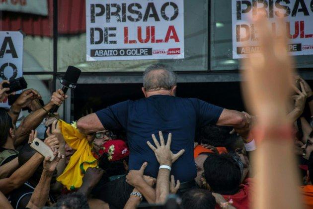 Brésil: une campagne surréaliste, une présidentielle imprévisible