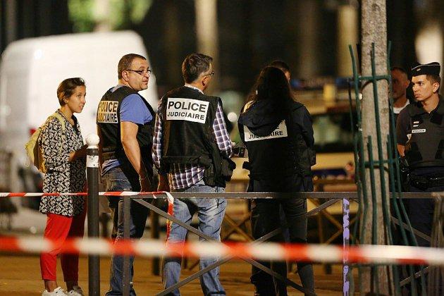 Agressions au couteau à Paris: le suspect mis en examen et placé en détention provisoire
