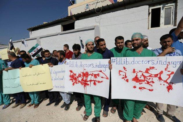Syrie: médecins et infirmiers manifestent à Idleb contre une offensive