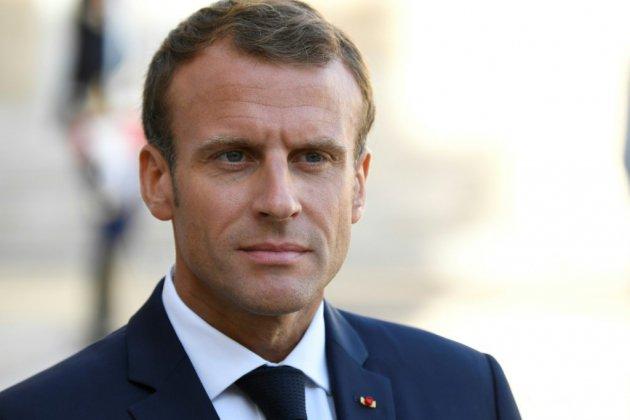 """Santé: """"nous devons restructurer pour les 50 années à venir"""", estime Macron"""