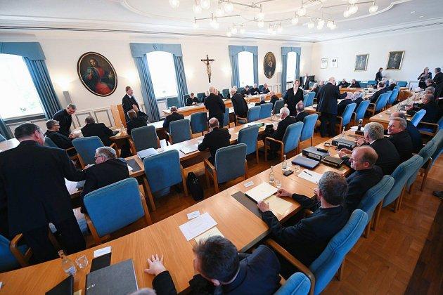 L'Eglise catholique allemande face à ses milliers de victimes d'abus sexuels