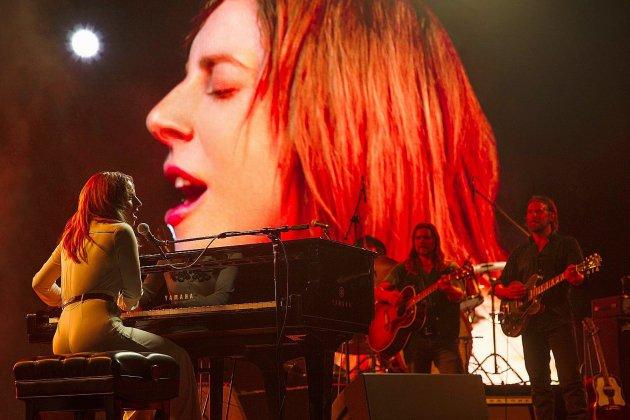 """Lady Gaga dévoile un peu de la bande originale de """"A star is born"""" avant sa sortie en salles"""