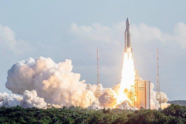 Succès pour la fusée Ariane 5, version lourde, qui ne rate pas sa centième