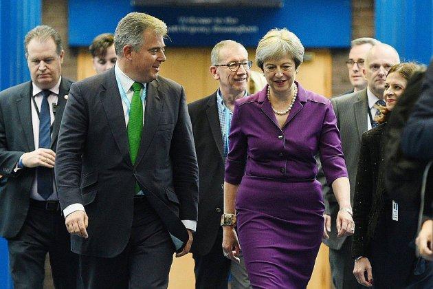 Au congrès des Tories, Theresa May veut rassurer sur le Brexit