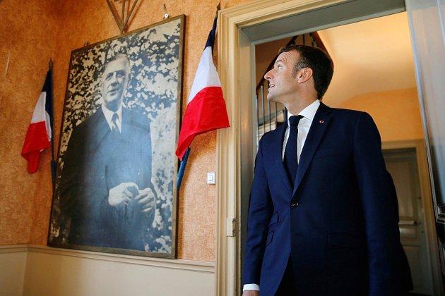 A Colombey, Macron loue la Ve République et répond aux retraités