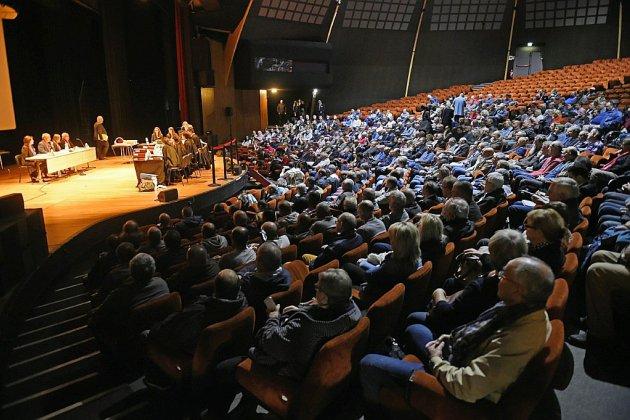 Au Zénith d'Amiens transformé en salle d'audience, 800 ex-Goodyear contestent leurs licenciements