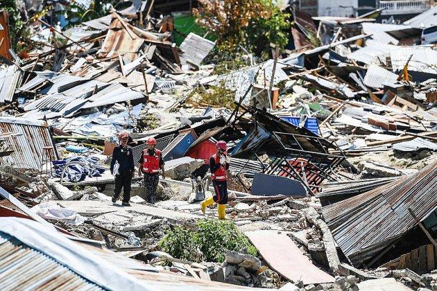 Indonésie: recherches de la dernière chance, le bilan du séisme dépasse 1.500