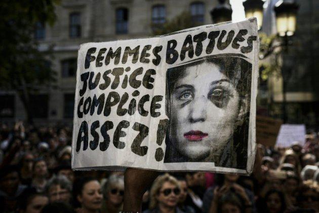 """Des milliers de femmes s'unissent """"contre les violences"""" à l'appel de Muriel Robin"""