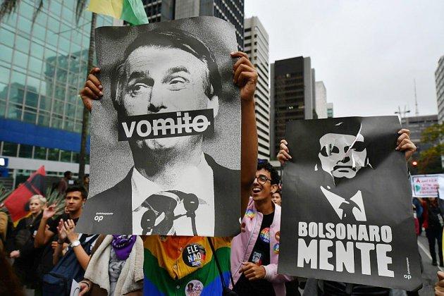 Présidentielle tendue au Brésil, l'extrême droite en pointe