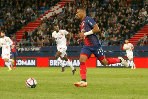 Football (Ligue 1) : Caen s'incline logiquement à Marseille