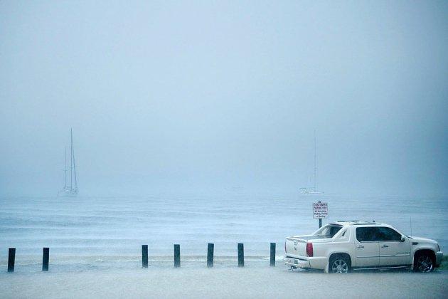 L'oeil de l'ouragan Michael frappe le littoral de Floride