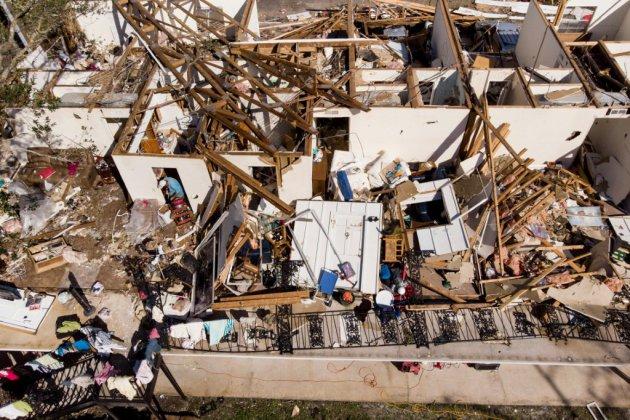 Onze morts et scènes de désolation après le passage de l'ouragan Michael