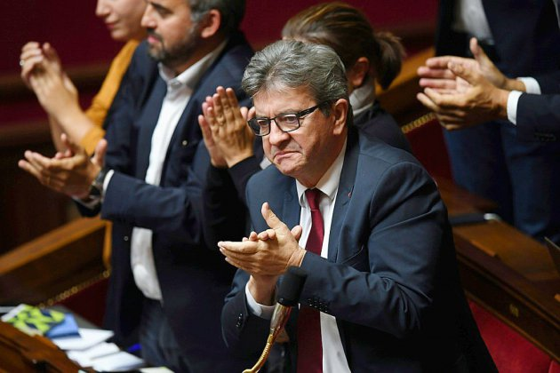 """En plein remaniement, des perquisitions menées chez Mélenchon qui crie à l'opération """"politique"""""""
