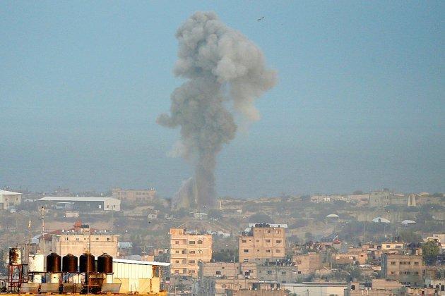 Israël lance des raids aériens contre Gaza en représailles à un tir de roquette
