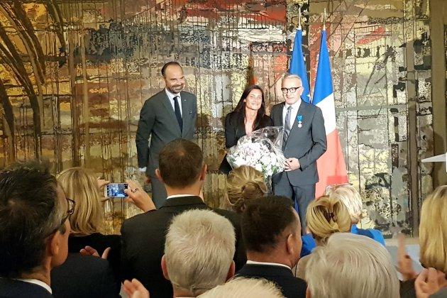 Seine-Maritime : Édouard Philippe décore le président du Département