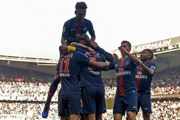 """Ligue 1: 10/10 pour le PSG, porté par ses """"vacanciers"""""""