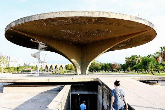 Au Liban, des artistes tentent de sauver une oeuvre du Brésilien Niemeyer